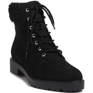 Black boots 👢
